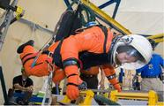 Full-Size Reduced Gravity Simulator For Humans, Robots, and Test Objects